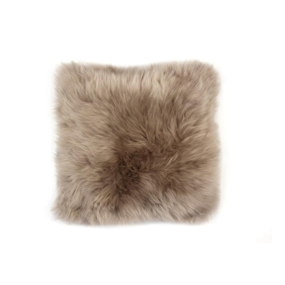 Pískově hnědý vlněný polštář z ovčí kožešiny Auskin Fergus, 35 x 35 cm
