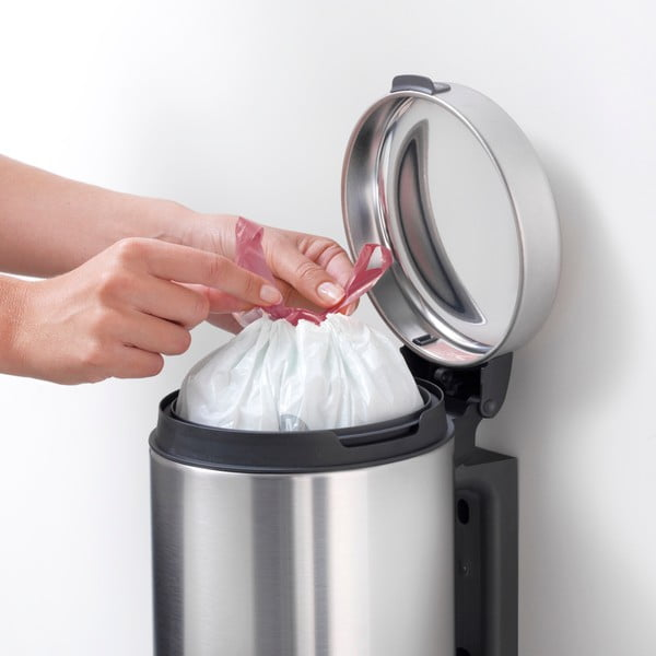 Matný nástěnný odpadkový koš ve stříbrné barvě Brabantia Newicon, 3l