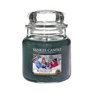 Vonná svíčka Yankee Candle Zachumlejte se, doba hoření 65 - 90 hodin