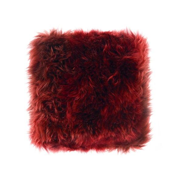 Červený polštář z ovčí kožešiny Royal Dream Sheepskin, 45x45cm