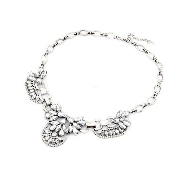 Náhrdelník s čirými krystaly ve stříbrné barvě