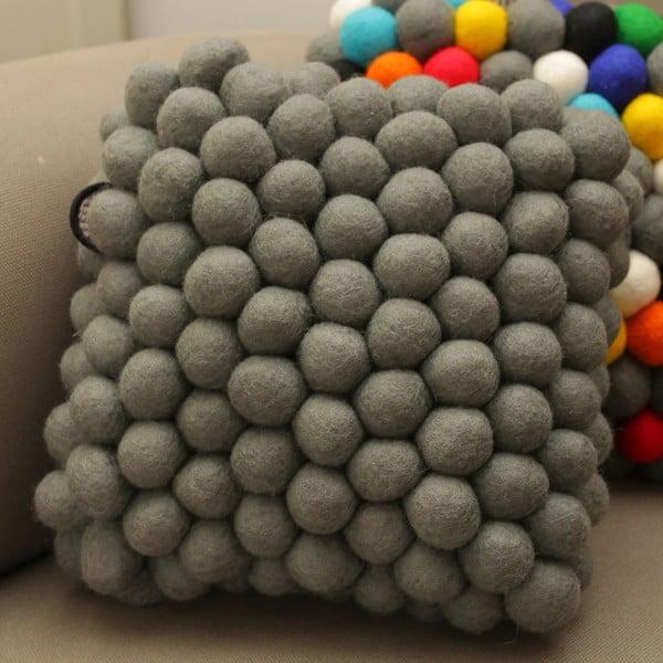Ručně vyrobený kuličkový polštářek Cells