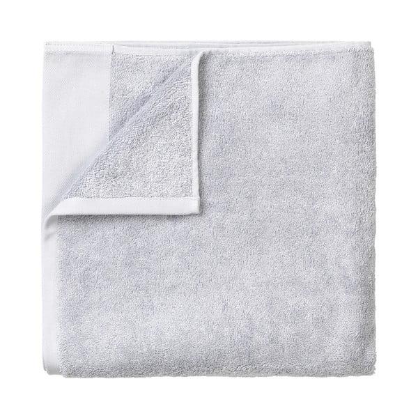 Jasnoszary bawełniany ręcznik kąpielowy Blomus, 70x140cm