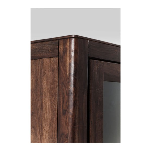 Dulap tip vitrină sculptat manual din lemn sheesham Kare Design Brooklyn Walnut