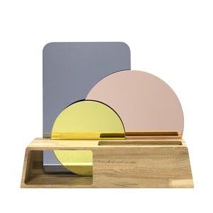 Dřevěný stojánek se zrcadly