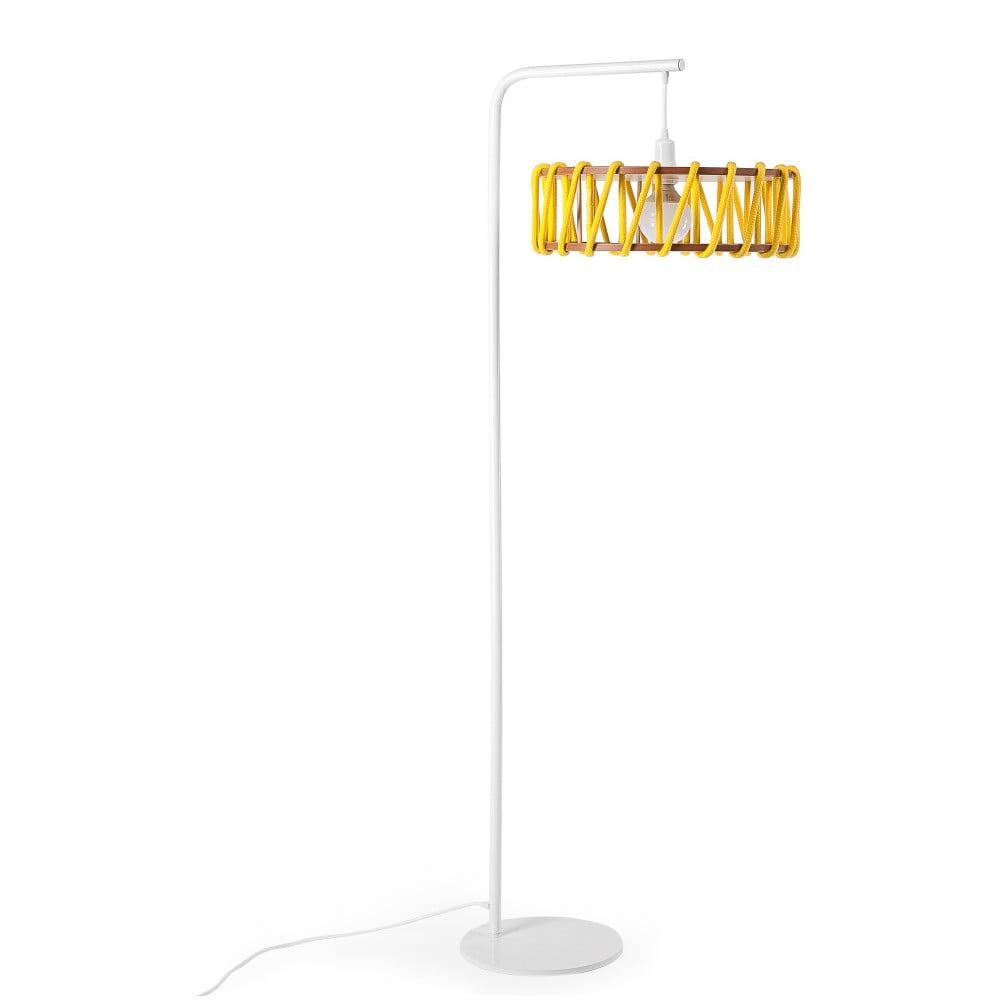 Stojací lampa s bílou konstrukcí a velkým žlutým stínidlem EMKO Macaron
