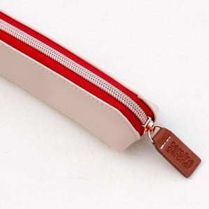 Růžový penál na tužky Caroline Gardner