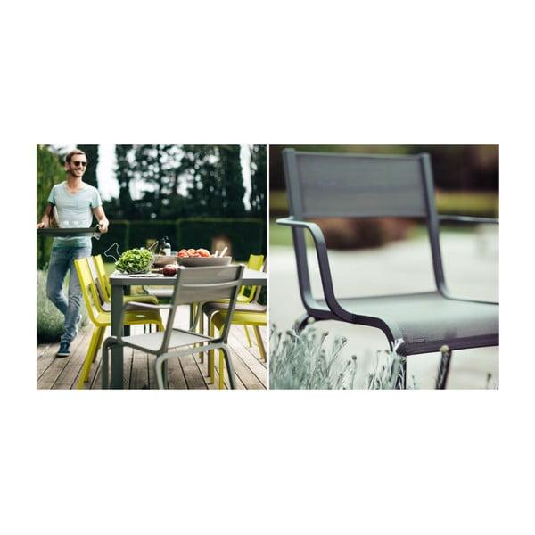 Sada 2 světle zelených kovových zahradních židlí Fermob Oléron Arms