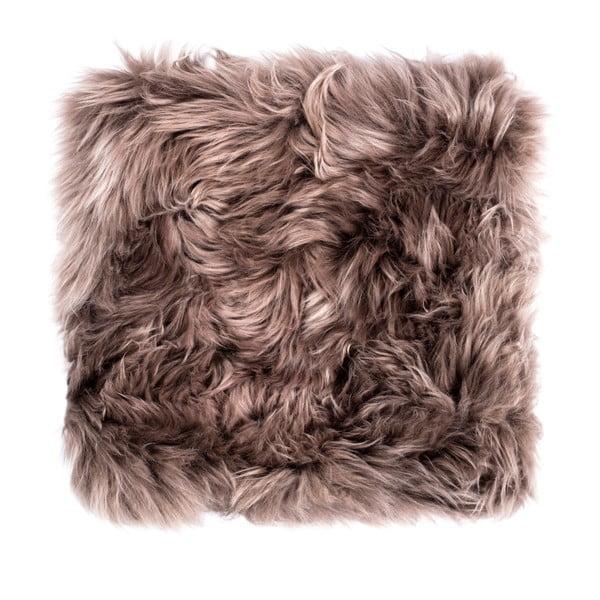 Hnedý sedák z ovčej kožušiny na jedálenskú stoličku Royal Dream, 40×40 cm