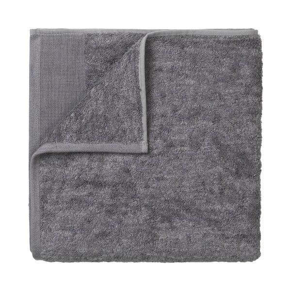 Tmavě šedá bavlněná osuška Blomus, 140x70cm