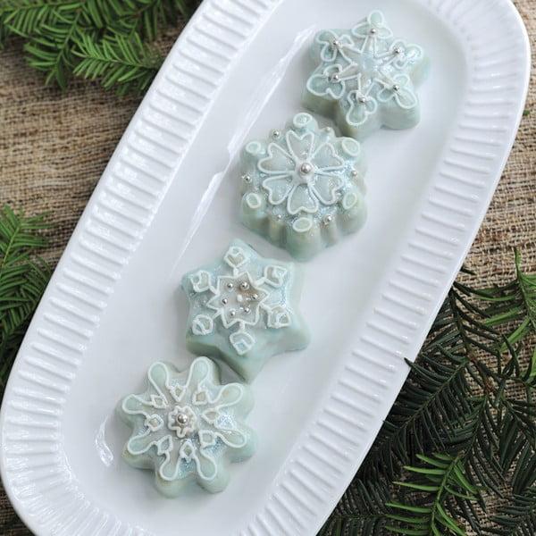 Forma na 6 koláčků ve stříbrné barvě Nordic Ware Snow Flakes, 700ml