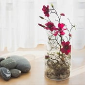 Květinová dekorace od Aranžérie, vínová magnólie ve váze