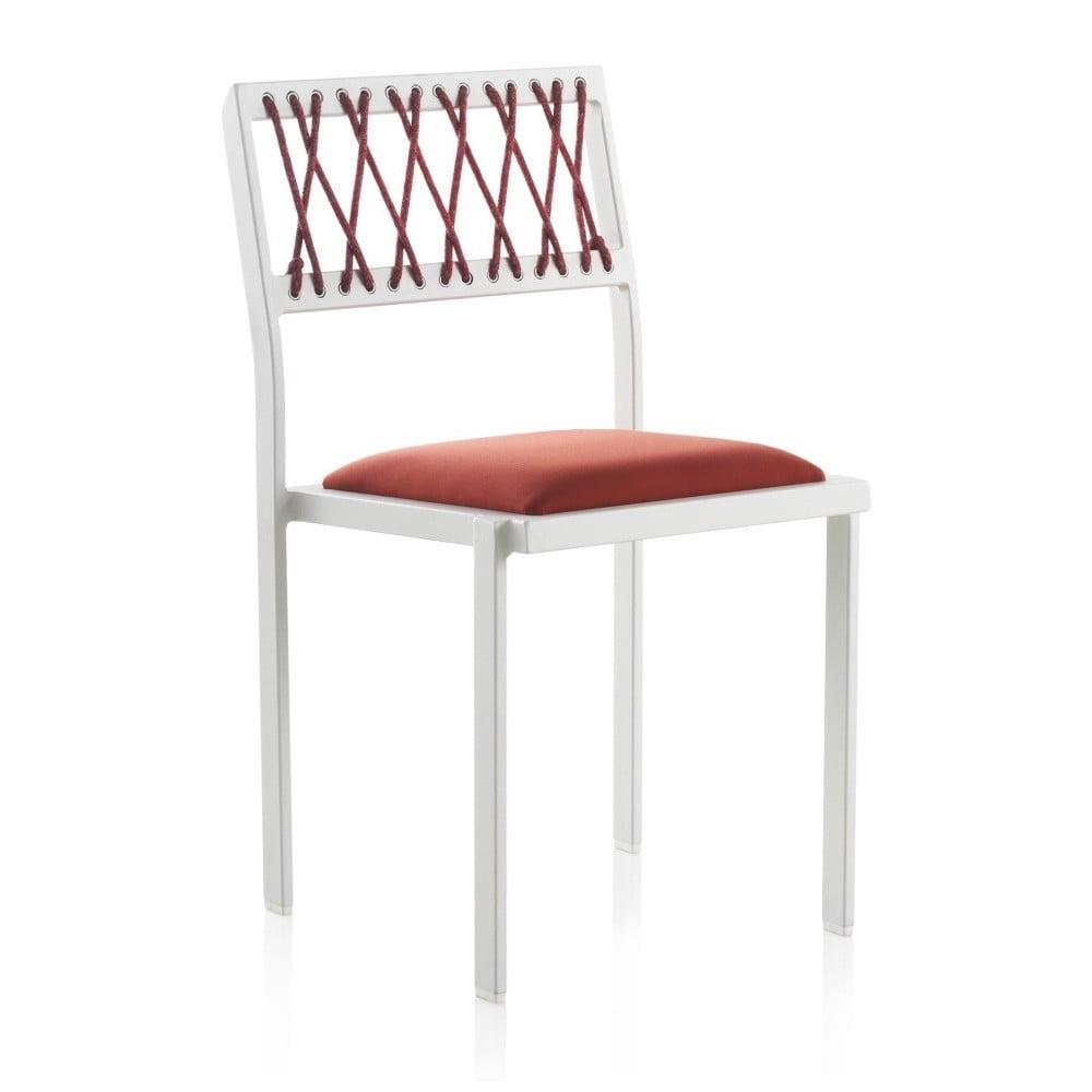 Bílá zahradní židle s červenými detaily Geese Seally