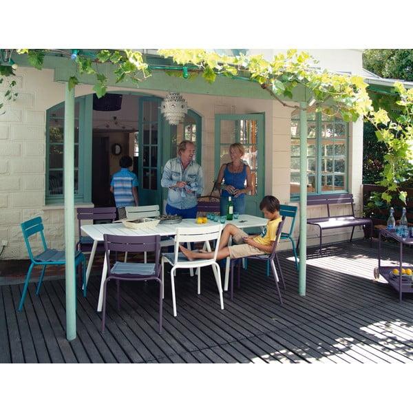 Béžový kovový jídelní stůl Fermob Luxembourg