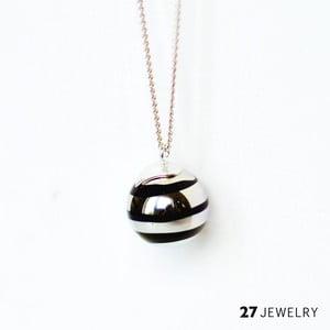 Silver Swirl náhrdelník ze skla