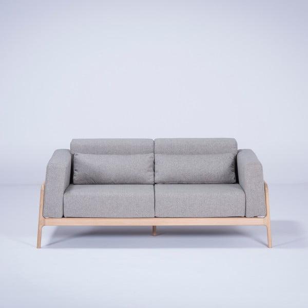 Szara sofa z konstrukcją z litego drewna dębowego Gazzda Fawn, 180 cm