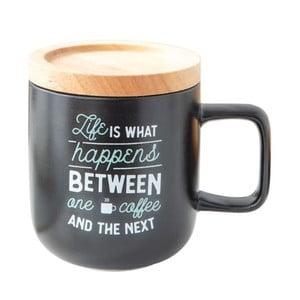 Porcelánový hrníček s dřevěným víkem Mr. Wonderful Life With Coffee, 300ml
