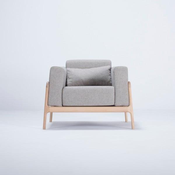 Fotel z konstrukcją z drewna dębowego z szarą tekstylną poduszką Gazzda Fawn