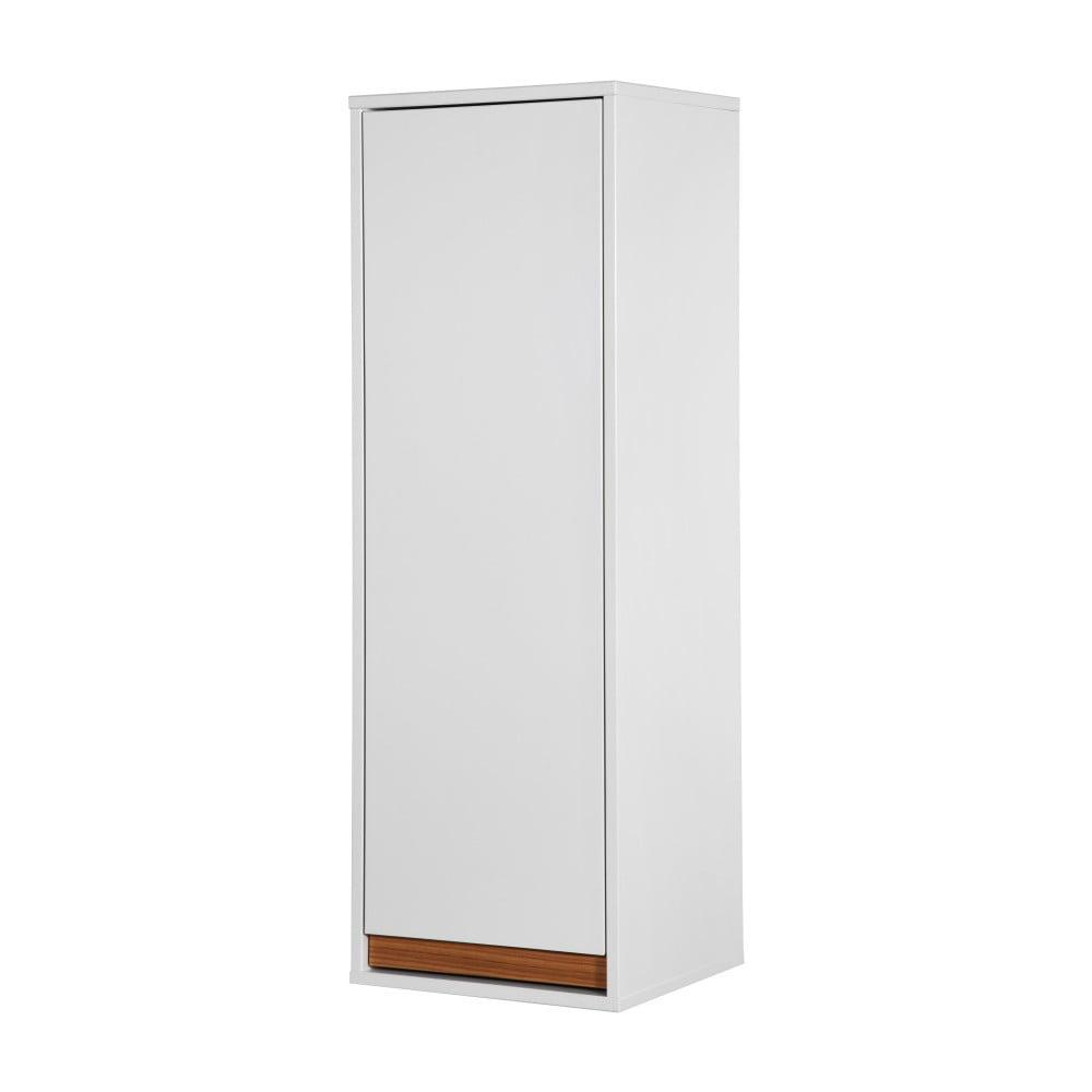 Bílá nástěnná skřínka s panty na levé straně a dřevěnými detaily Dřevotvar Ontur 52