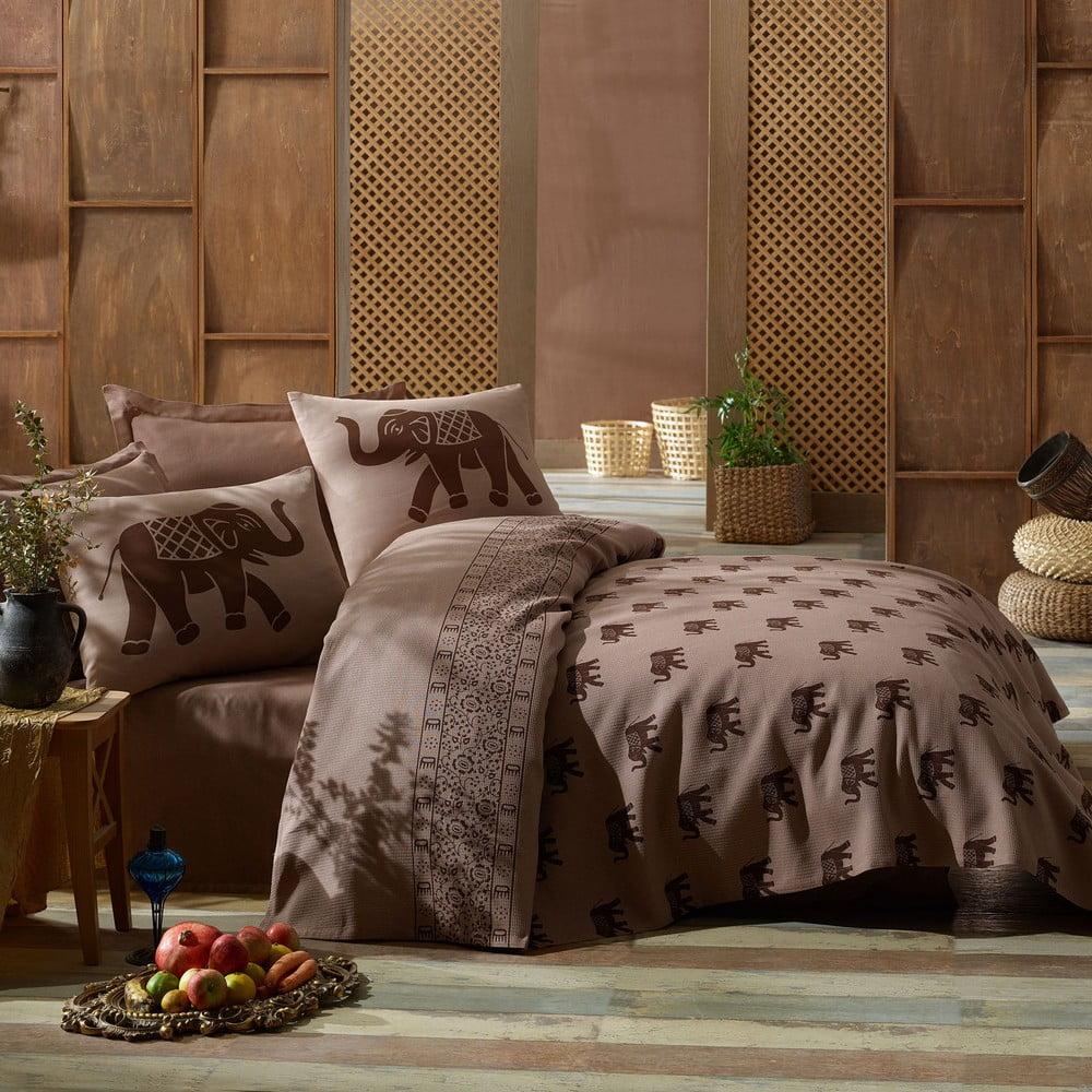 Přehoz přes postel na dvoulůžko s povlaky na polštáře a prostěradlem Fil, 200 x 235 cm