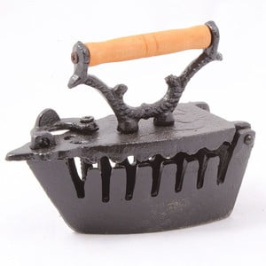 Dekorativní železná žehlička
