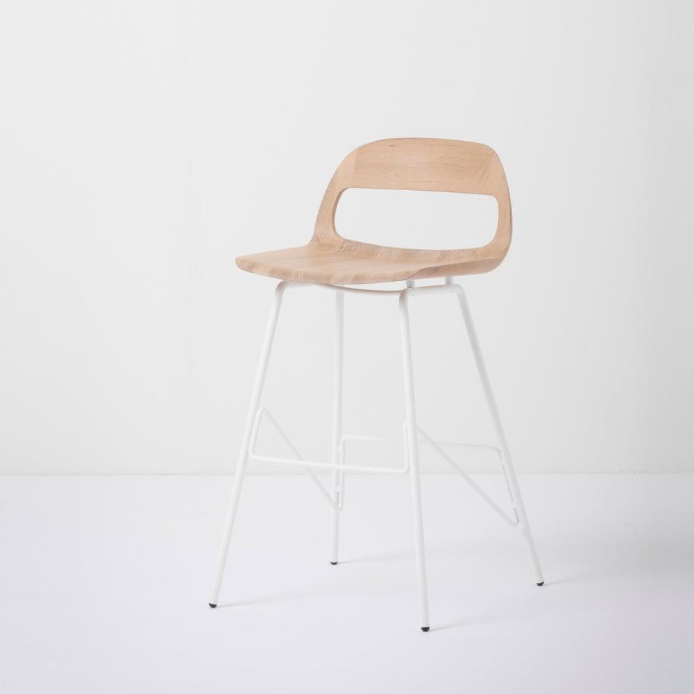 Barová židle se sedákem z masivního dubového dřeva a bílými nohami Gazzda Leina, výška 84 cm