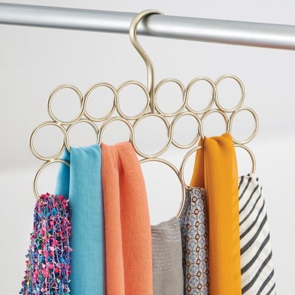 Kovový závěsný držák na ručníky, šátky a oblečení ve zlaté barvě InterDesign Axis, délka29cm