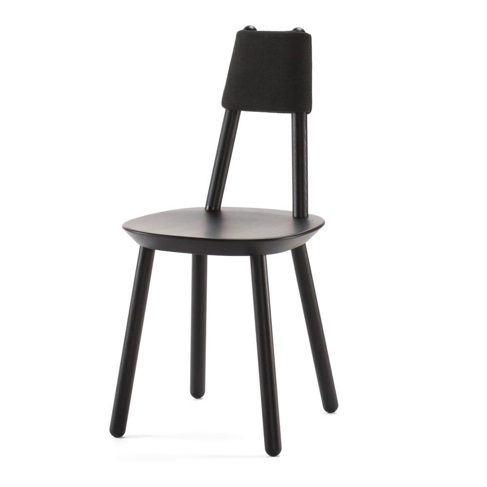 Černá židle z masivu Emko Naïve