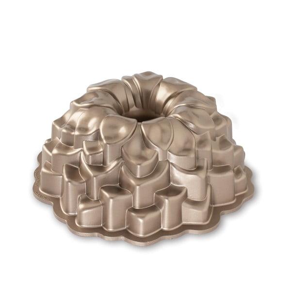 Formă pentru guguluf Crizantema Nordic Ware, 2,4 l, arămiu
