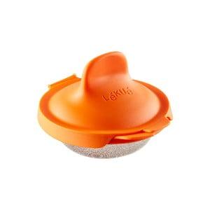 Oranžová silikonová formička na ztracené vejce Lékué Pouched