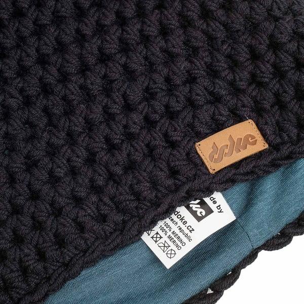 Černá ručně háčkovaná čepice z merino vlny DOKE