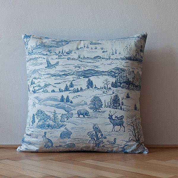 Polštář s výplní Light Blue Forest, 50x50 cm