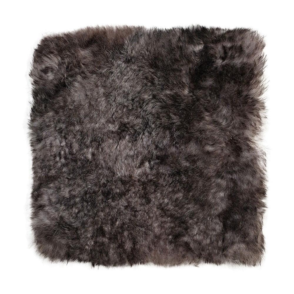 Tmavě šedý sedák na židli z ovčí kožešiny, 37 x 37 cm