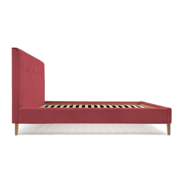 Červená postel s přírodními nohami Vivonita Kent,180x200cm