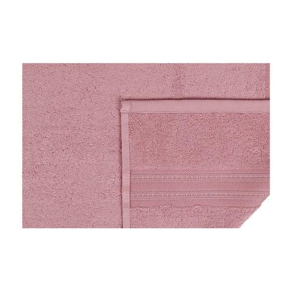 Růžový ručník na ruce Stacy