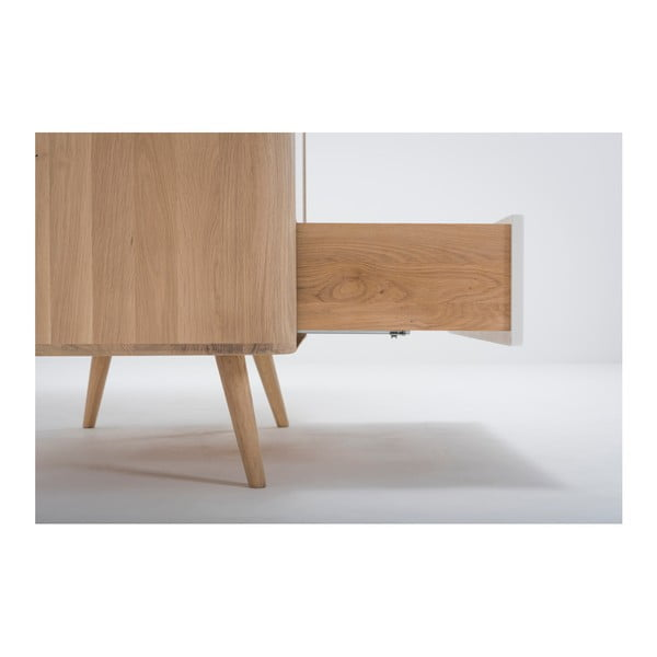 Šatní skříň s konstrukcí z masivního dubového dřeva se zásuvkou Gazzda Ena, výška200cm