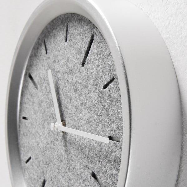 Nástěnné hodiny ve stříbrné barvě La Forma Nexo