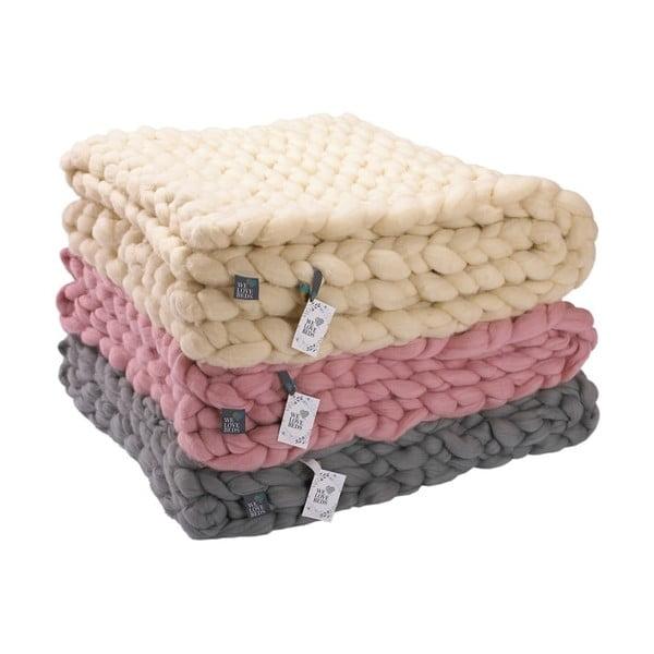 Pătură tricotată manual din lână merino WeLoveBeds, 180 x 140 cm, roz