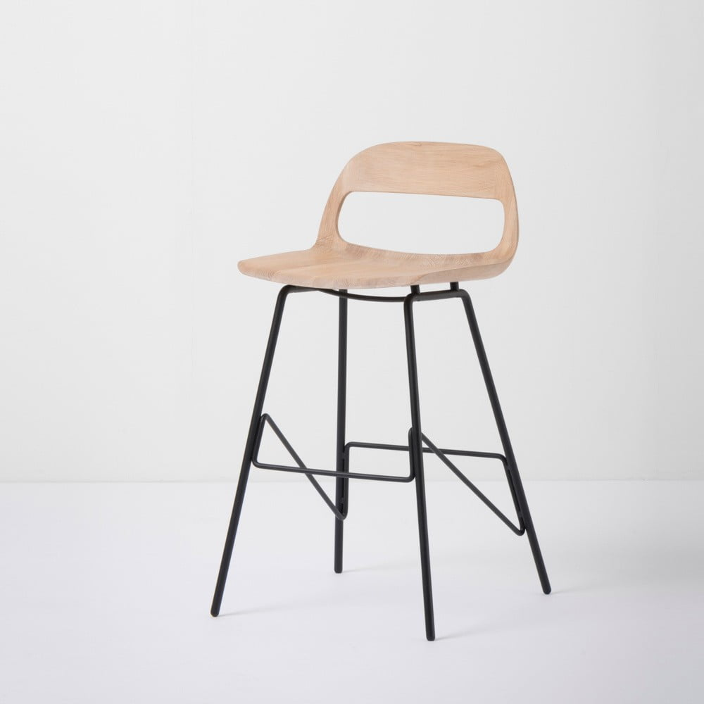 Barová židle se sedákem z masivního dubového dřeva a černými nohami Gazzda Leina, výška 84 cm