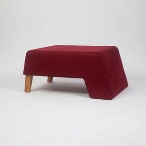 Vínově červená podnožka s dřevěnými nohami Kate Tinta
