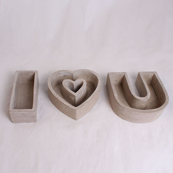 Sada 3 šedých betonových květináčů Dakls I Love You