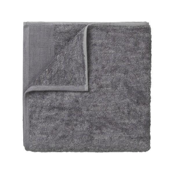Tmavě šedý bavlněný ručník Blomus, 100x50cm