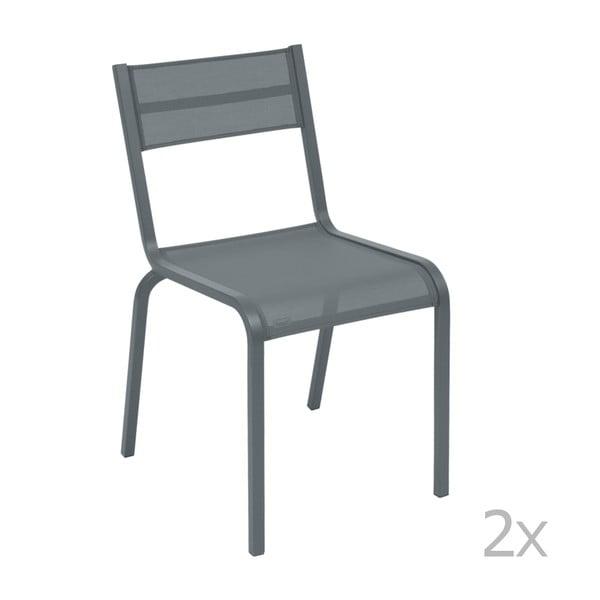 Sada 2 tmavosivých kovových záhradných stoličiek Fermob Oléron