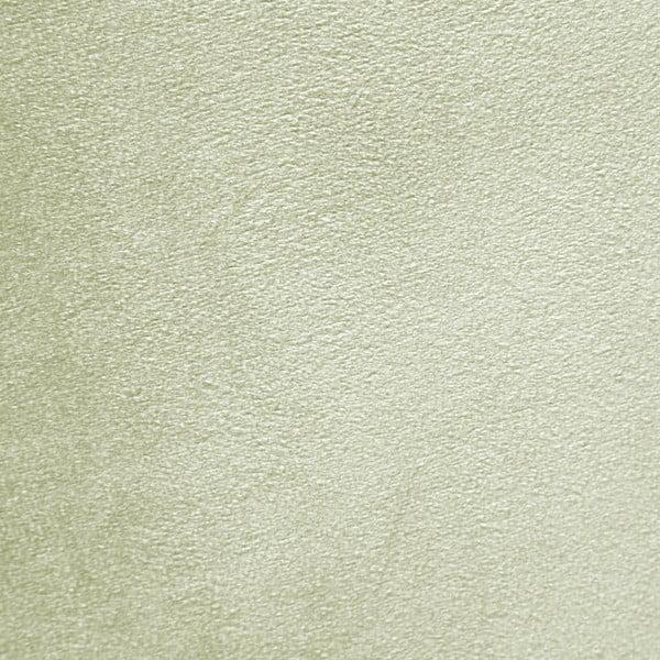 Světle zelené křeslo a podnožka s podnoží v přírodní barvě Vivonita Cora Velvet