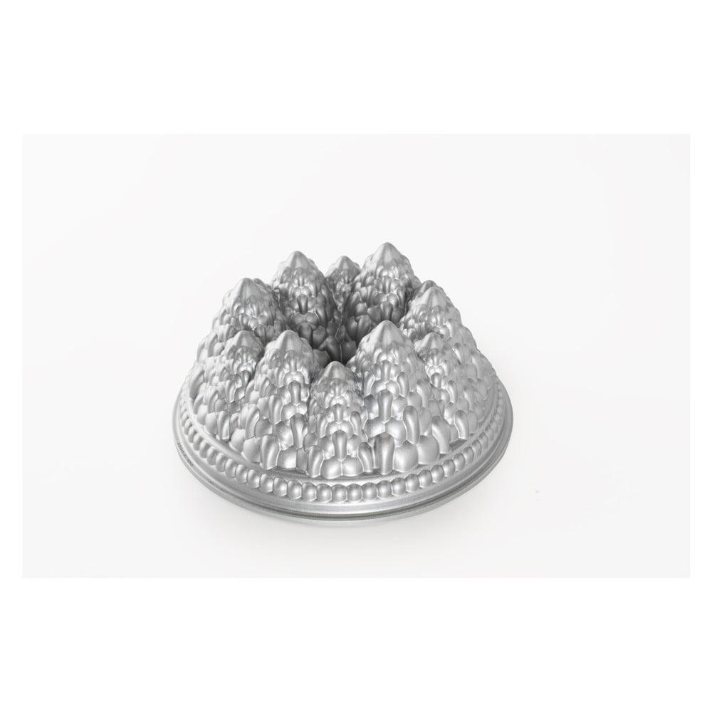Forma na bábovku ve stříbrné barvě Nordic Ware Pines, 2,1 l