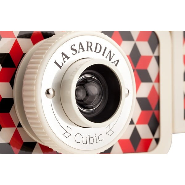 Lomography foťák La Sardina Flash Cubic