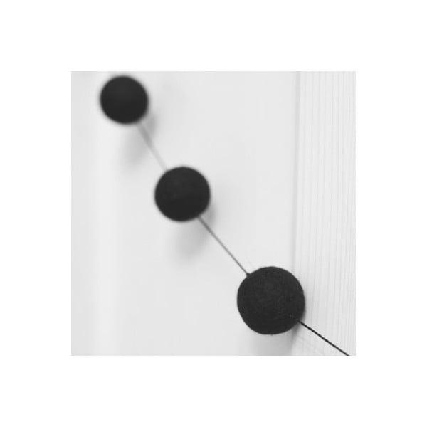 Girlanda z ručně vyrobených kuliček Felt, černá