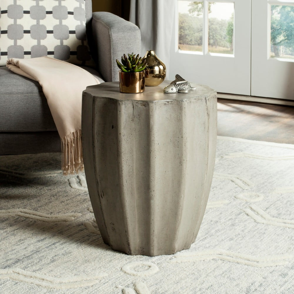 Betonový zahradní stolek vhodný do exteriéru Safavieh Akira
