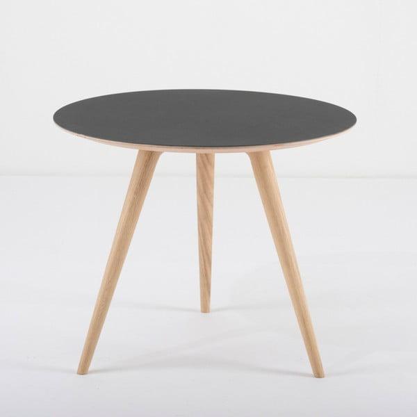 Arp tölgyfa tárolóasztal fekete asztallappal, ⌀ 55 cm - Gazzda