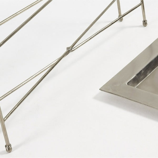 Odkládací stolek ve stříbrné  barvě La Forma Bruce
